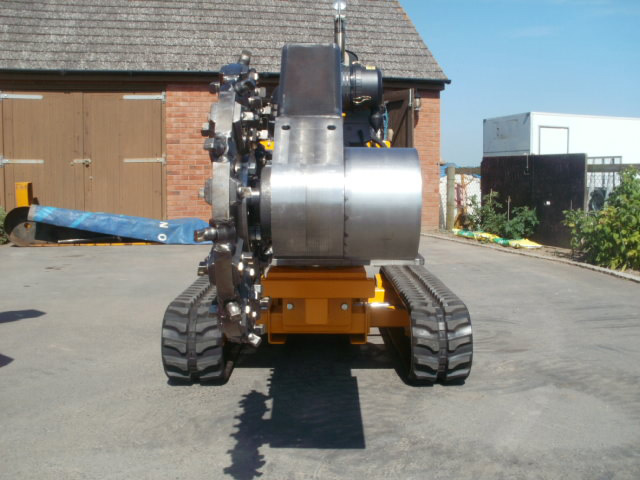 Stump grinding machine from the front
